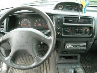 Mitsubishi L200 2.5 73kW