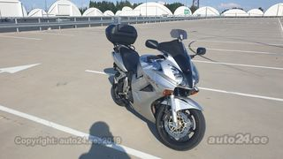 Honda VFR 800 6th Generation V4 80kW