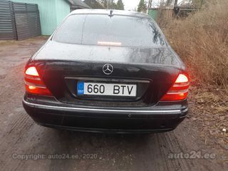 Mercedes-Benz S 320 3.2 145kW