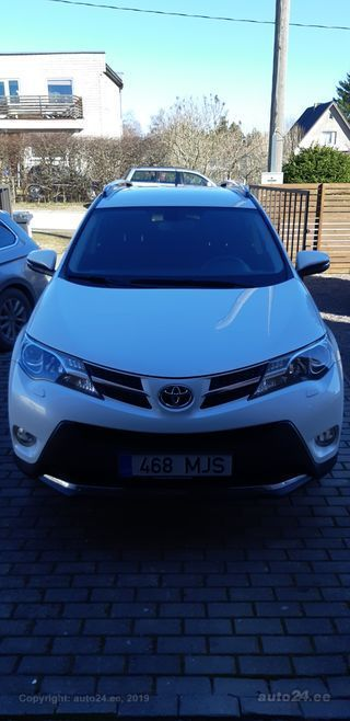 Toyota RAV4 Luxury plus 2.0 111kW