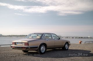 Jaguar XJ40 Sovereign 4.0 R6 166kW