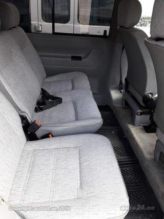 Volkswagen Caravelle 2.5