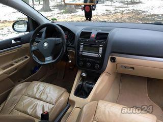 Volkswagen Golf R32 interjers 1.9