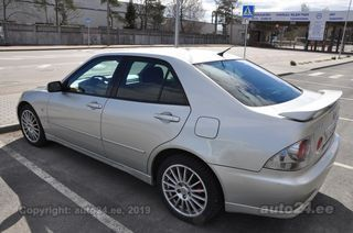 Lexus IS 200 2.0 114kW