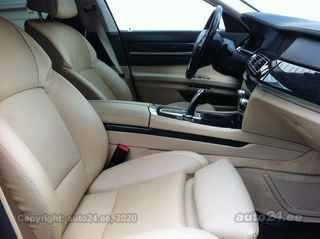 BMW 750 F01TwinPowerTurbo DynamicDrive 4.4 V8 300kW