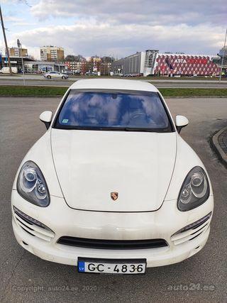 Porsche Cayenne individual 3.0 176 kw