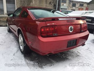 Ford Mustang GT 4.6 V8 224kW