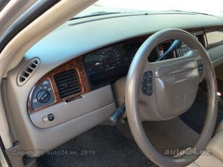 Lincoln Town Car 4.6 153kW