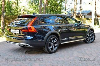 Volvo V90 Cross Country INTELLI PRO WINTER FAMILY MY 19 2.0 D4 AWD 140kW