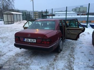 Mercedes-Benz E 250 2.5 66kW