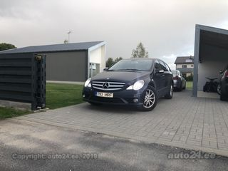 Mercedes-Benz R 320 4MATIC LONG 3.0 V6 165kW