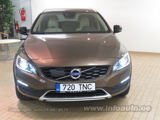 Volvo V60 Cross Country PRO D4 AWD 2.4 140kW