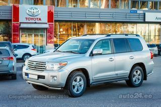 Toyota Land Cruiser 200 V8 Luxury 4.5 200kW