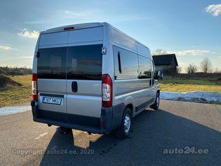 Peugeot Boxer Long 8+1 2.2 88kW