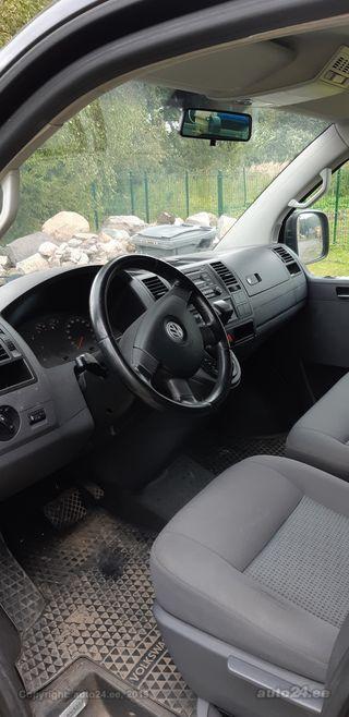 Volkswagen Caravelle 2.5 96kW