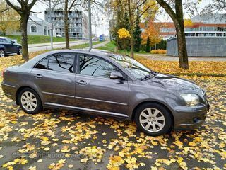Toyota Avensis 1.8 T25