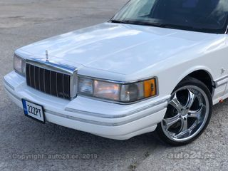 Lincoln Town Car Luxury Limu Executive 4.6 V8 141kW