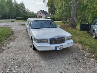 Lincoln Town Car 4.6 157kW