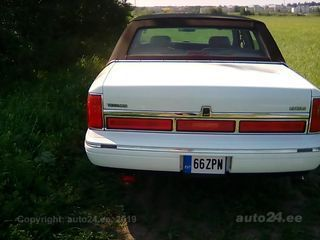 Lincoln Town Car 4.6 V8 157kW