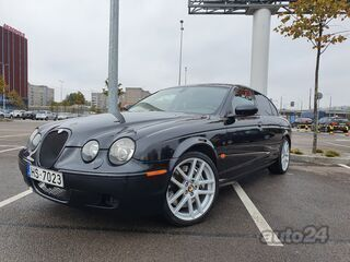 Jaguar S-Type R 4.2