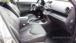 Toyota RAV4 Executive AWD 2.0 112kW