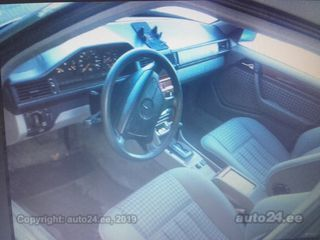 Mercedes-Benz E 300 300TD 4MATIC 3.0 R6 108 kv 108kW
