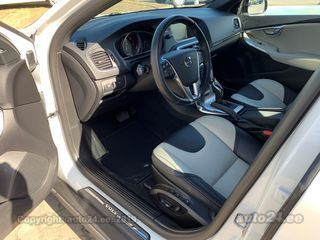 Volvo V40 Cross Country Summum 2.0 D3 110kW