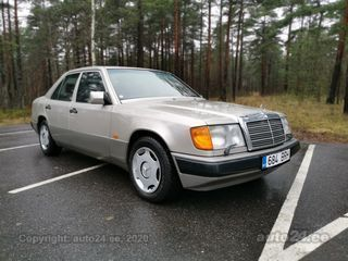 Mercedes-Benz E 300 3.0  132 kW
