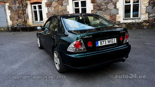 Lexus IS 200 2.0 R6 114kW