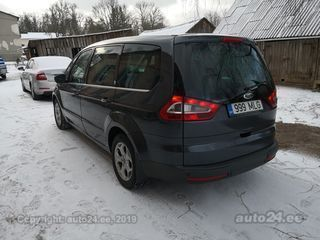 Ford Galaxy Ghia 2.0 103kW