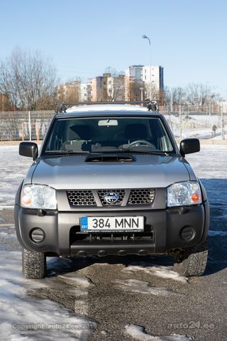 Nissan NP300 2.5 98kW