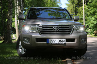 Toyota Land Cruiser Premium DLXEX 4.5 V8 200kW