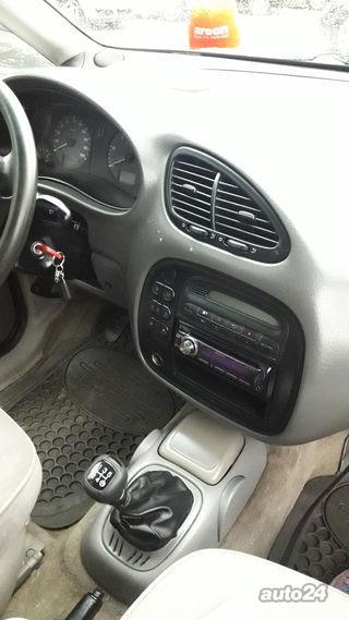 Ford Galaxy 1.9 66kW