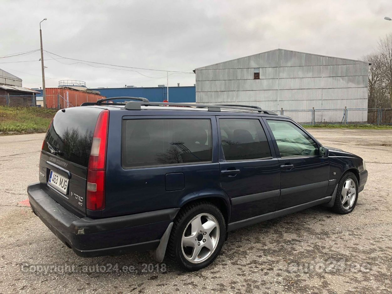 Cross Country 4x4 >> Volvo V70 Xc Awd Cross Country 2 4 Turbo 4x4 142kw Auto24 Ee