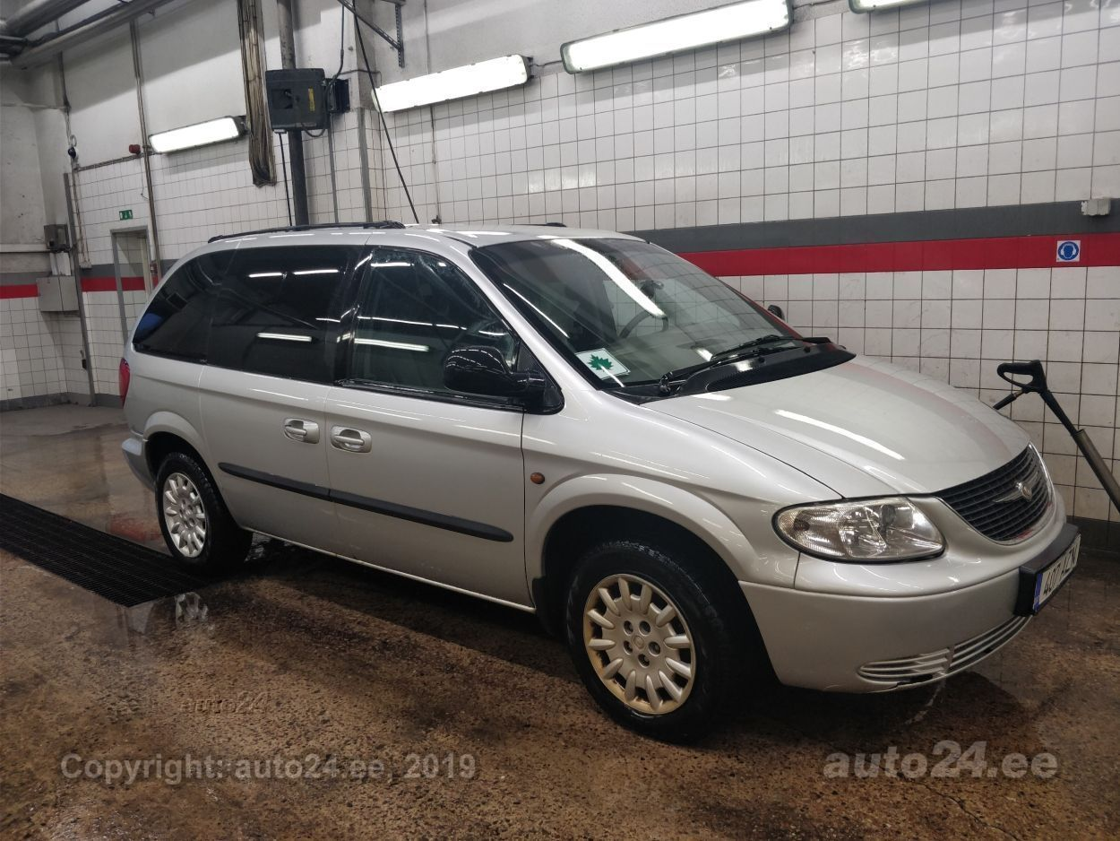 579f5513a0e Chrysler Voyager 2.5 105kW - auto24.ee