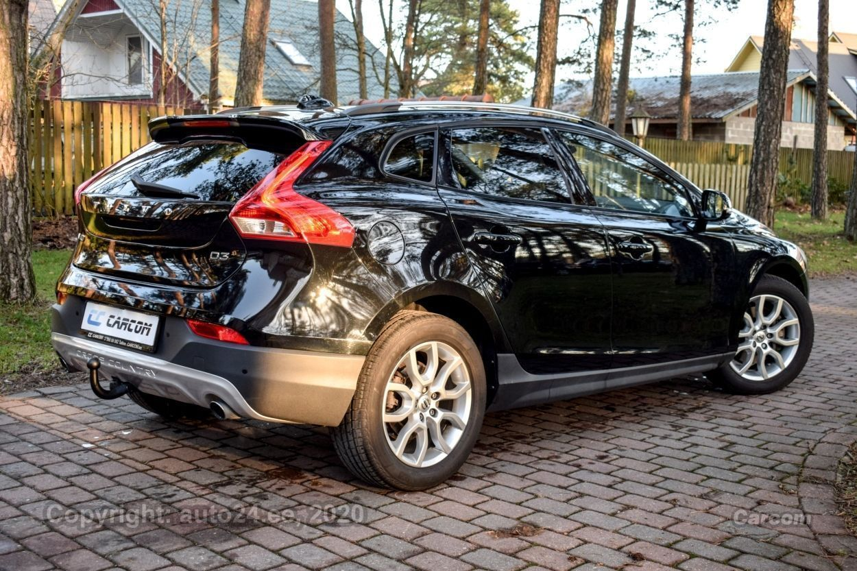 Volvo V40 Cross Country SUMMUM INTELLI SAFE PRO WINTER M 2.0 D3 110kW