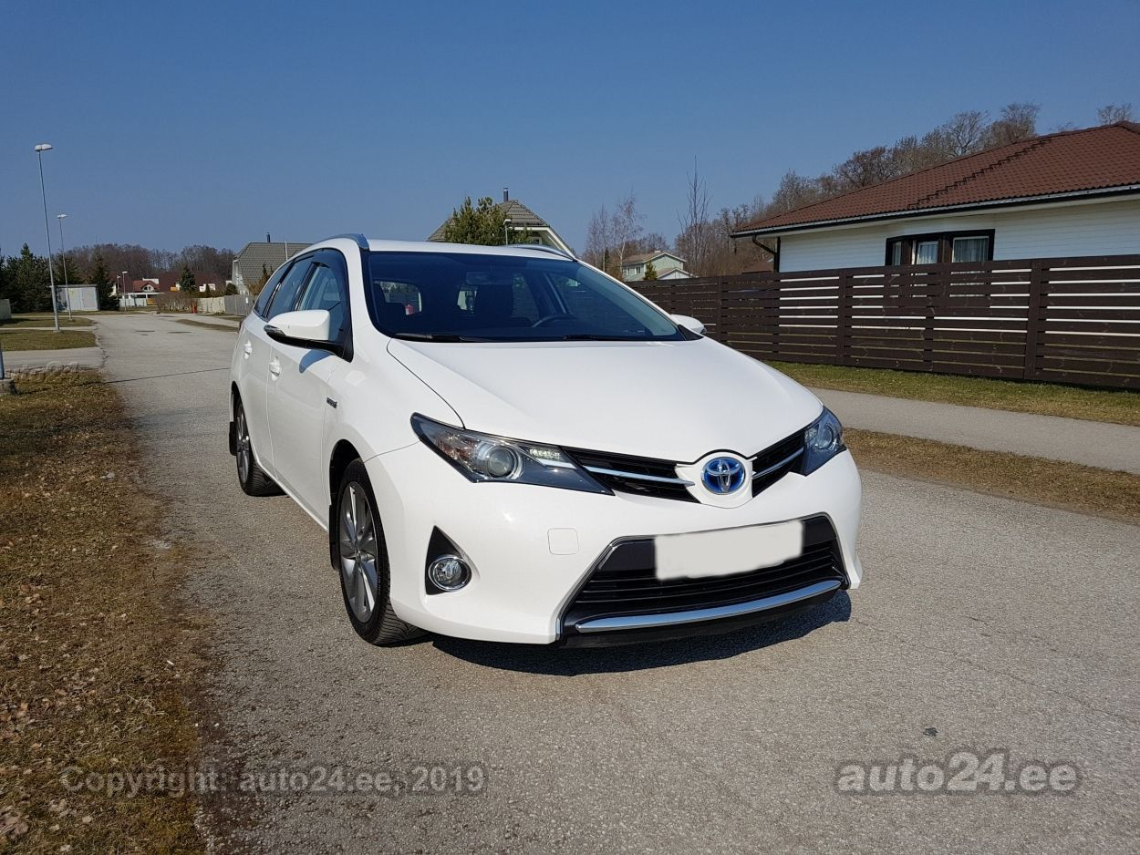 Toyota Auris TOURING SPORTS 1.8 HYBRID 73kW