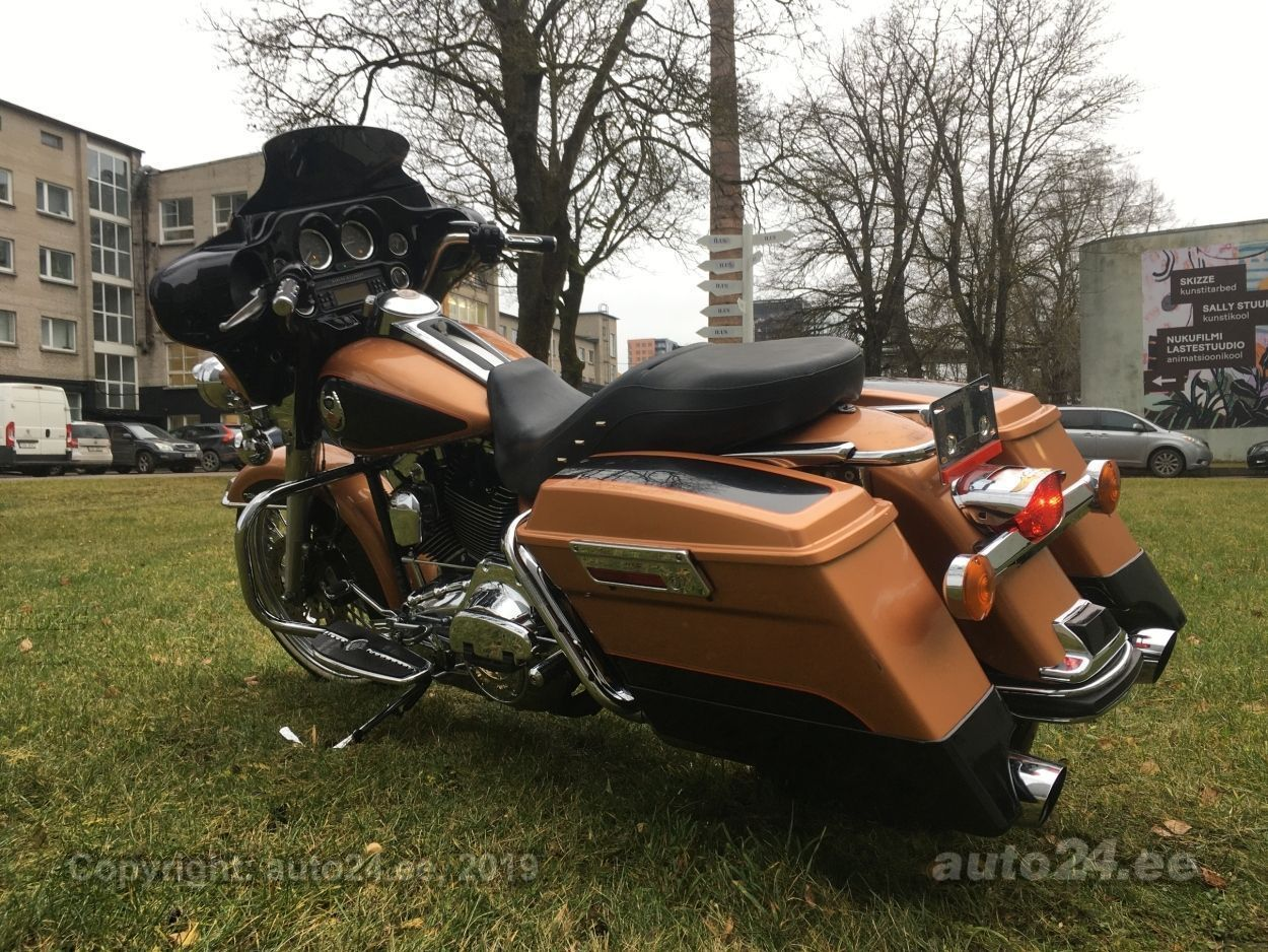 Harley-Davidson Electra Glide Ultra Classic 105th Anniversary TwinCam 96 56kW