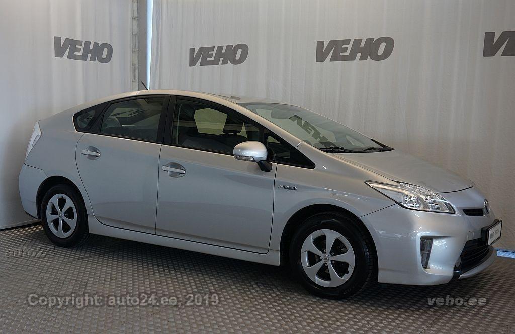 74aa0bd79cf Toyota Prius 1.8 73 kW luukpära esivedu kliimaautomaatik, roolivõimendi,  kesklukustus (puldiga).
