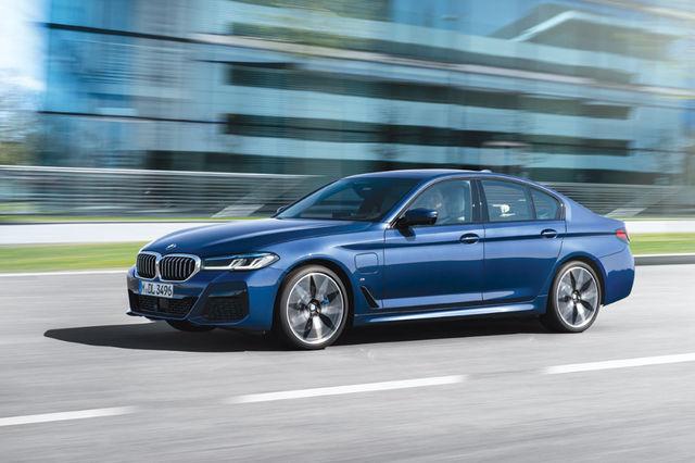 Pistikuhübriidina saab edaspidi lisaks sedaanile ka universaali ning 530e kõrvale lisati võimsam mudel 545e. Viimast saab siiski vaid sedaanina. Foto: BMW