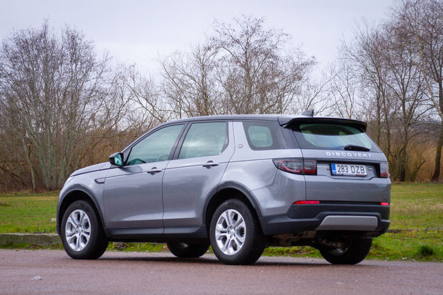 Land Rover Discovery Sport Hybrid. Foto: Laas Valkonen