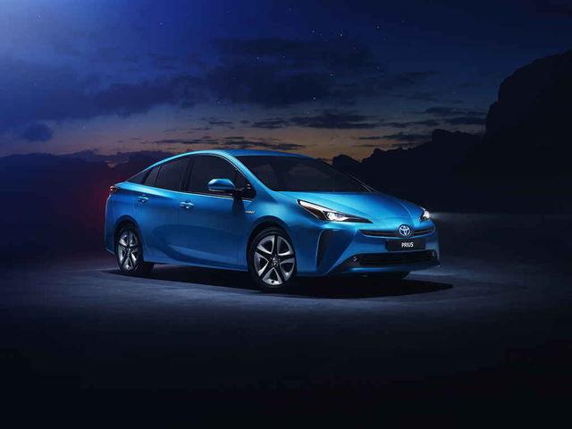 Toyota Prius muutub nelikveoliseks: täiendav elektrimootor paneb vedama ka tagarattad. Foto: Toyota