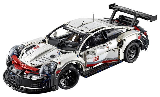 Porsche 911 RSR. Foto: Lego