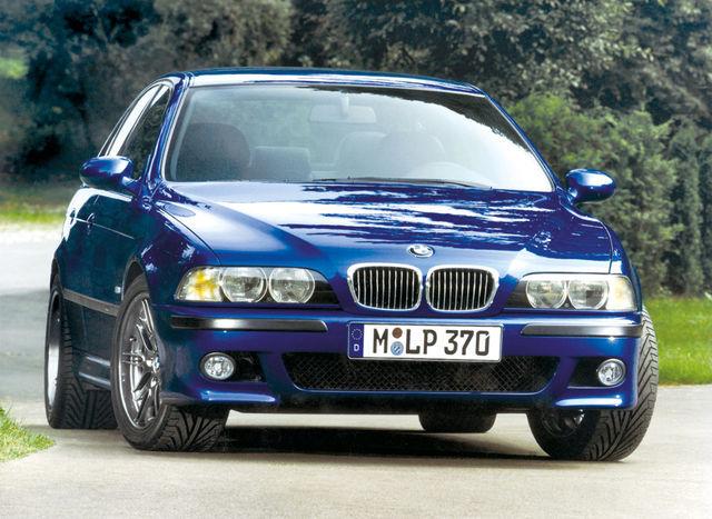 M5 (E39) oli BMW esimene V-8-mootoriga M-auto, ühtlasi võimsaim senistest. Foto: BMW