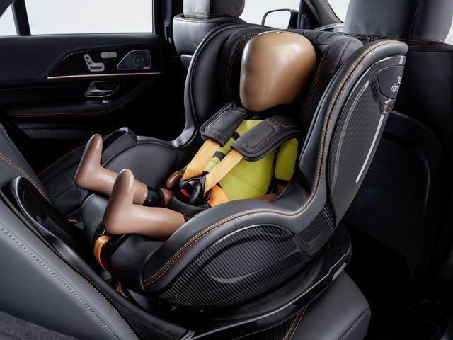Laste turvavööd hoiavad pisikesi reisijaid paremini paigal. Foto: Mercedes-Benz