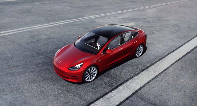 Tesla Model 3 andis olulist lisa elektriautode müüginumbritele. Foto: Tesla