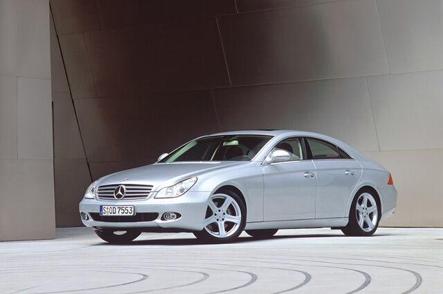 Mercedese sedaankaunitar CLS tundus visuaalselt veel madalam, kui see tegelikult oli, kusjuures ka praktilisusega oli kõik suures plaanis korras. Foto: Mercedes-Benz