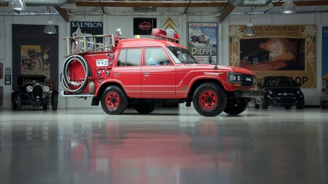 Toyota Land Cruiser Fire Truck. Kaader: Youtube