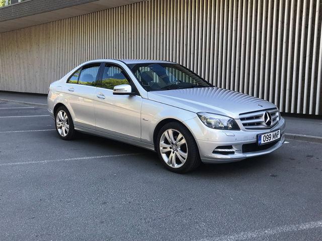 Sel suvel olen peamiselt sõitnud C-klassi Mercedesega. Väga meeldib selle disain, vähem vali sisemüra. Foto: Margus Pipar