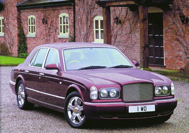 Arnage sündis Bentley jaoks keerukatel aegadel, mil firma elas üle dramaatilise omanikuvahetuse. Ühes sellega muutus ka mootor. Foto: Bentley